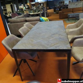 Eettafel loft  NR-798  40 % korting (Showroom model)