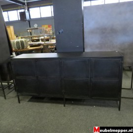 zwart metalen dressoir Nr-817 (Showroom model) Meubelmepper