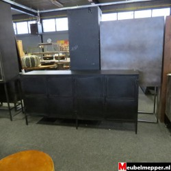 zwart metalen dressoir Nr-817 (Showroom model)