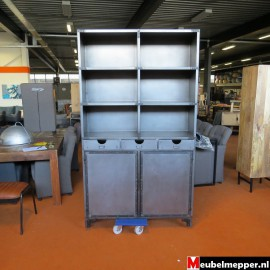 Industriële buffetkast Nr-830 (Showroom model) .